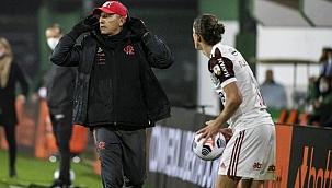 Renato manda recado para críticos após vitória do Fla