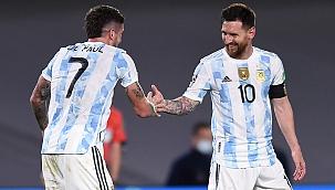 Messi brilha, e Argentina vence o Uruguai por 3 x 0